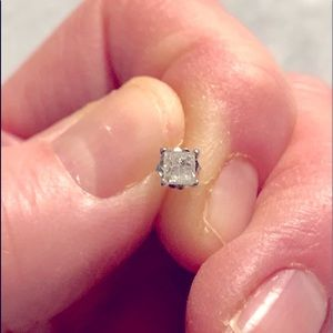 Genuine Diamond Earring.